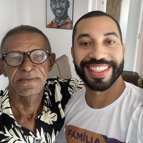 Gil do Vigor e seu pai (Foto: Reprodução)