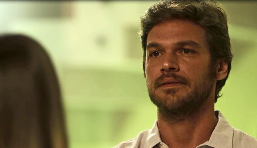 O músico bate de frente com Karola sobre as armações contra Luzia (Foto: TV Globo)