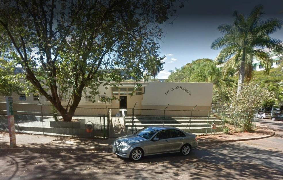 Fachada do Centro de Ensino Fundamental 01 do Planalto, na Asa Sul — Foto: Google/Reprodução