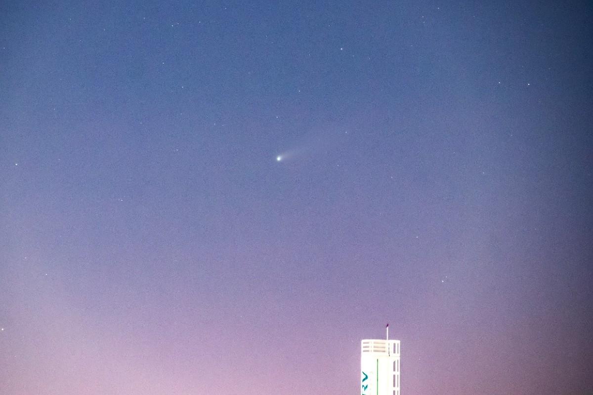 Fotógrafo mineiro registra passagem do cometa Neowise pelo céu brasileiro – G1