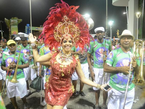 Bloco Habeas Copos também desfilou no circuito Bezerra nesta quarta-feira (Foto: Diogo Macedo/ Ag. Haack)