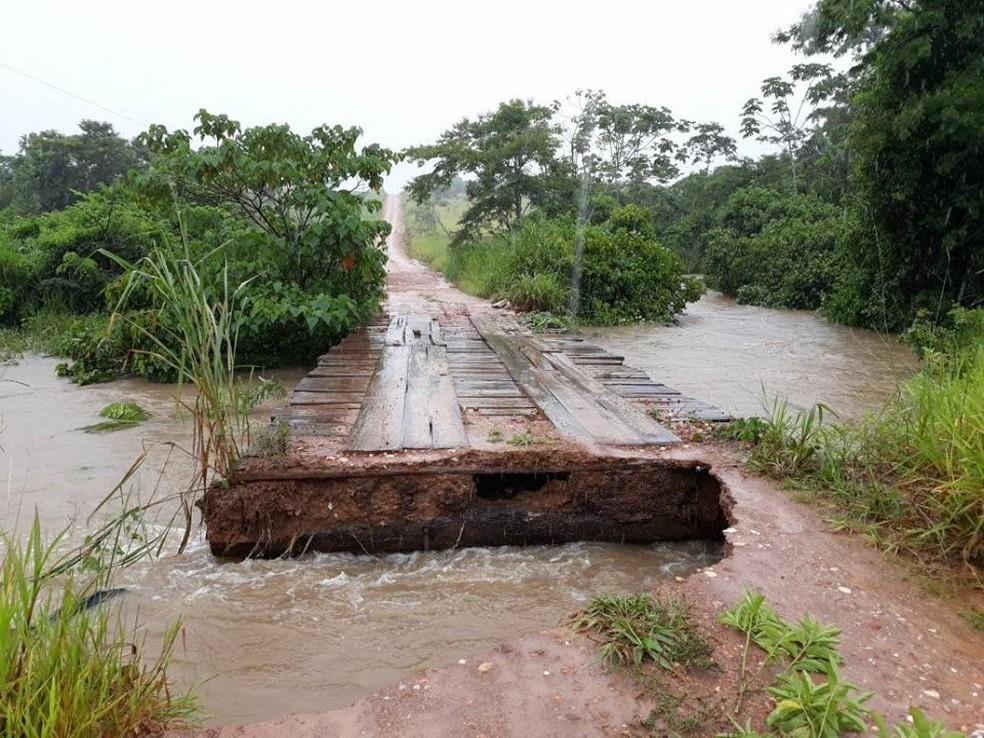 Em Comodoro, vias na zona rural tiveram problemas causados pela chuva (Foto: Prefeitura de Comodoro/Divulgação)