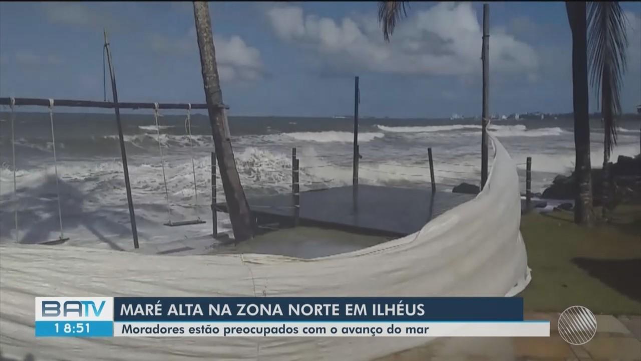 Força da maré volta a causar prejuízos em parte da orla de Ilhéus, no sul da Bahia
