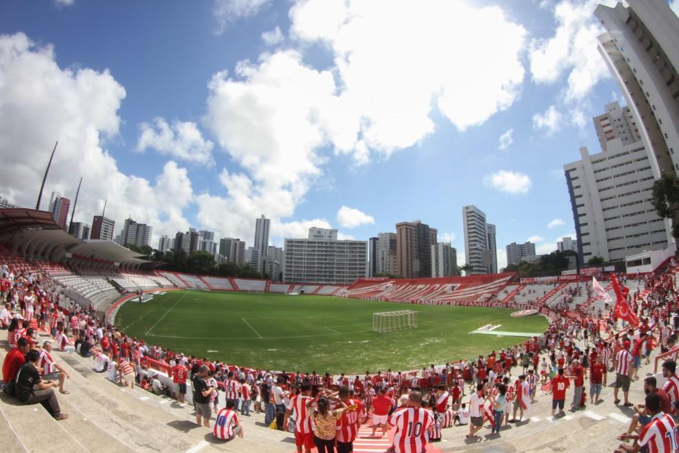 Aflitos vai receber um amistoso internacional, no dia 16 de dezembro — Foto: Marlon Costa / Pernambuco Press