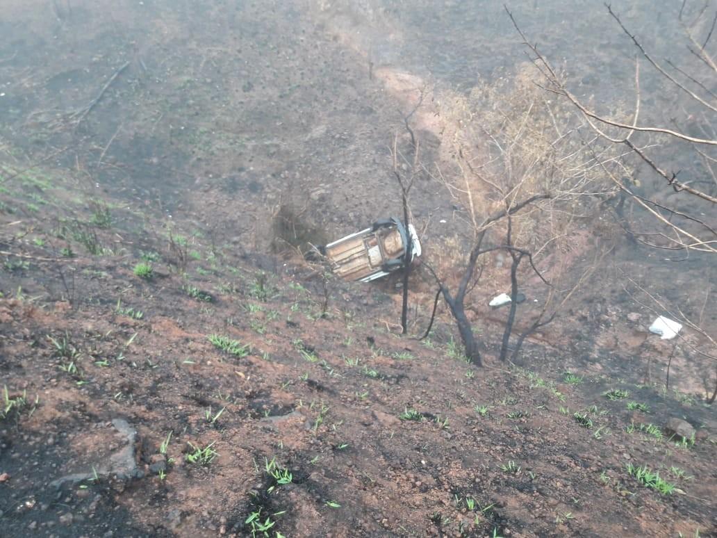 Motorista morre após capotar com o carro na BR-354, entre Bambuí e Córrego Danta