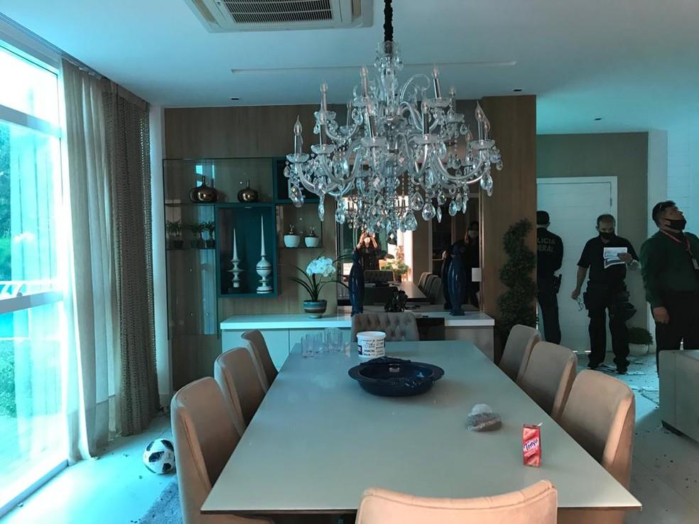 Imóveis de luxo foram vistoriados pelos policiais durante a operação — Foto: Divulgação PF