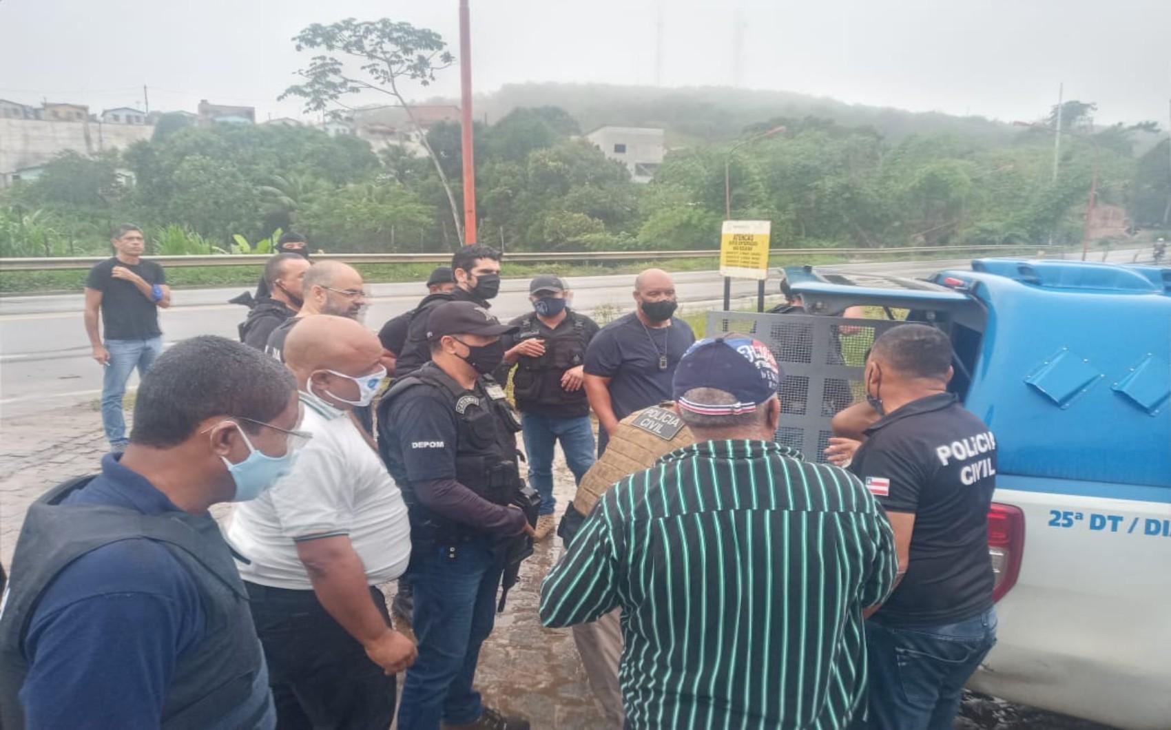 Suspeito de matar seis pessoas e comandar tráfico de drogas é preso na região metropolitana de Salvador