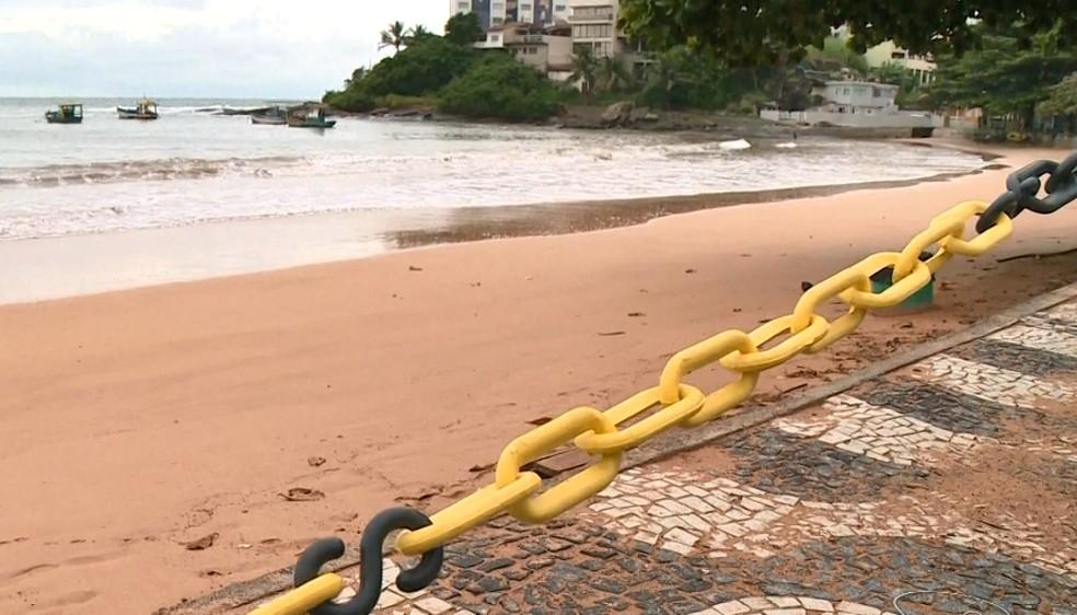 Praias no sul do ES têm acesso limitado por correntes durante pandemia do novo coronavirus — Foto: Reprodução/TV Gazeta