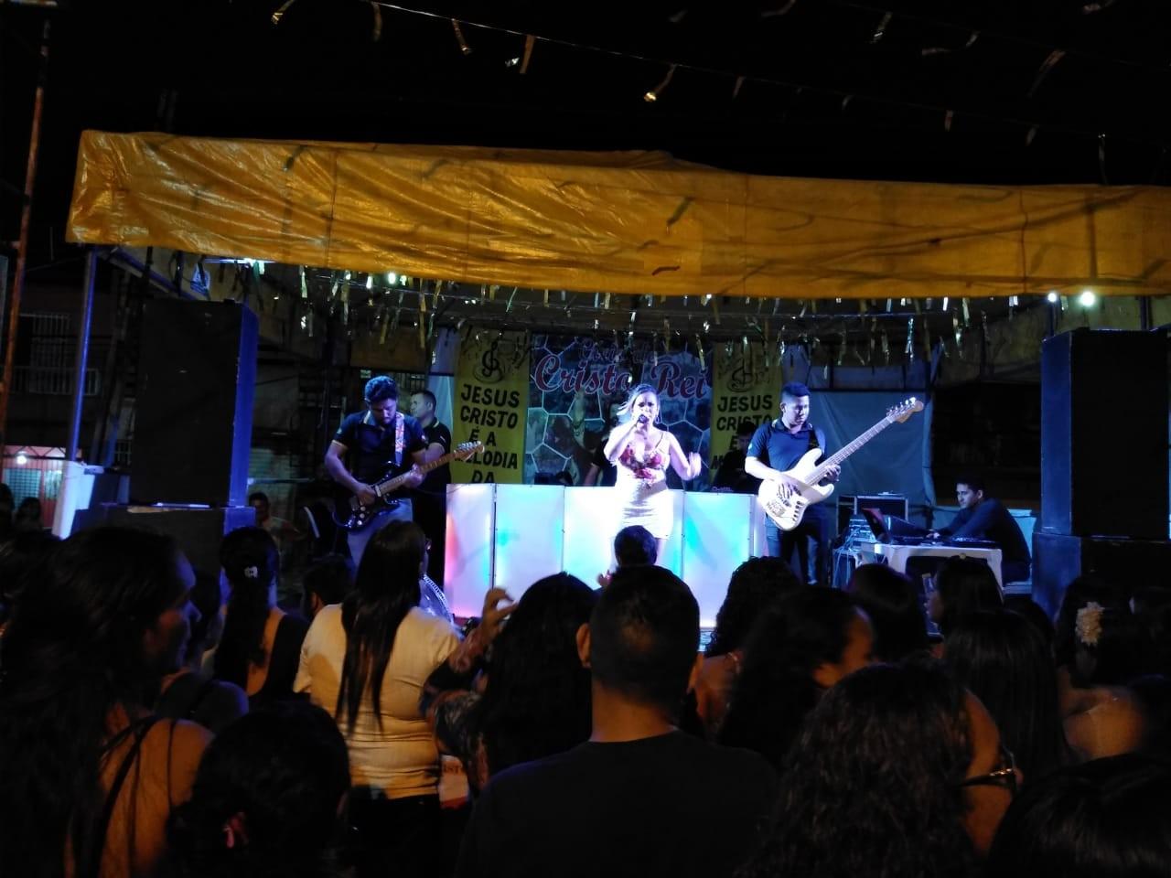 Festividade reúne artistas paraenses em prol de comunidade católica em Ananindeua