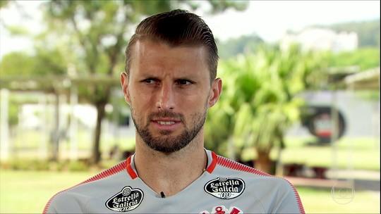 "Henrique engata sequência desde estreia e vira ""insubstituível"" no Corinthians"