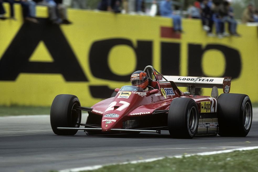 Gilles Villeneuve acelera Ferrari 126 C2 em Imola, em 1982 — Foto: Getty Images