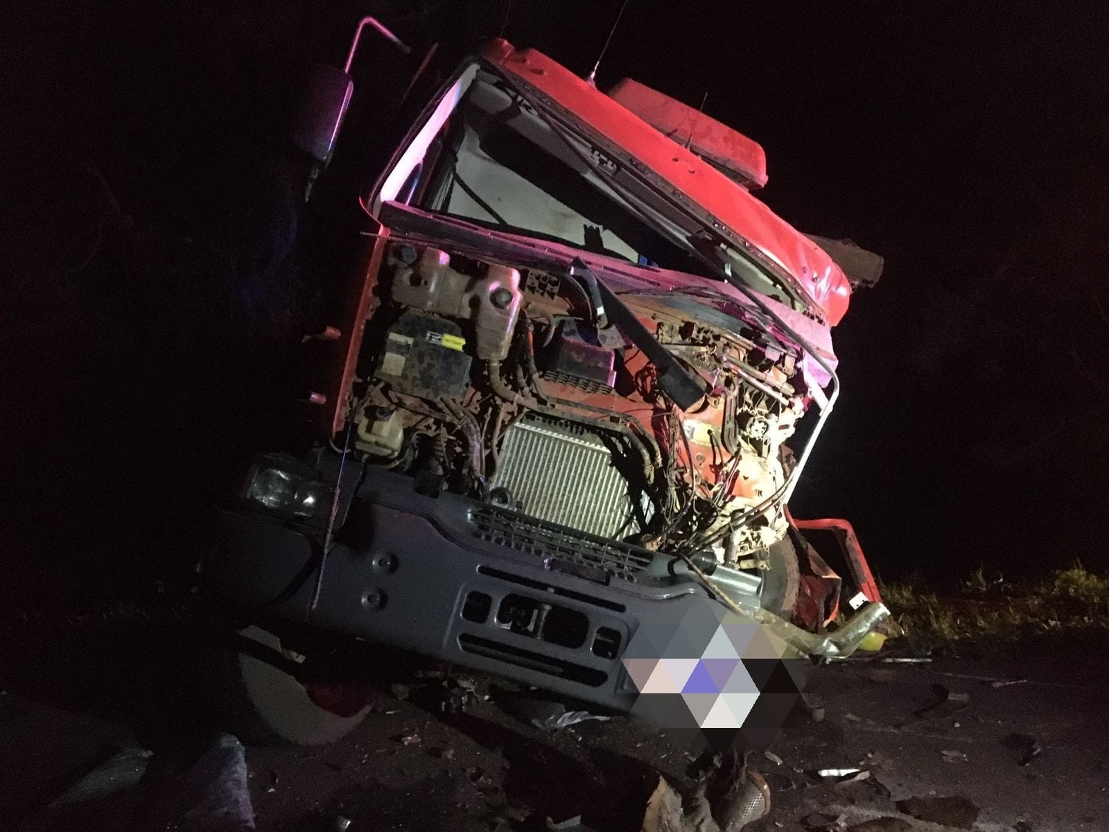 Motorista de caminhonete morre após tentar fazer ultrapassagem proibida na BR-277 em Laranjeiras do Sul, diz PRF