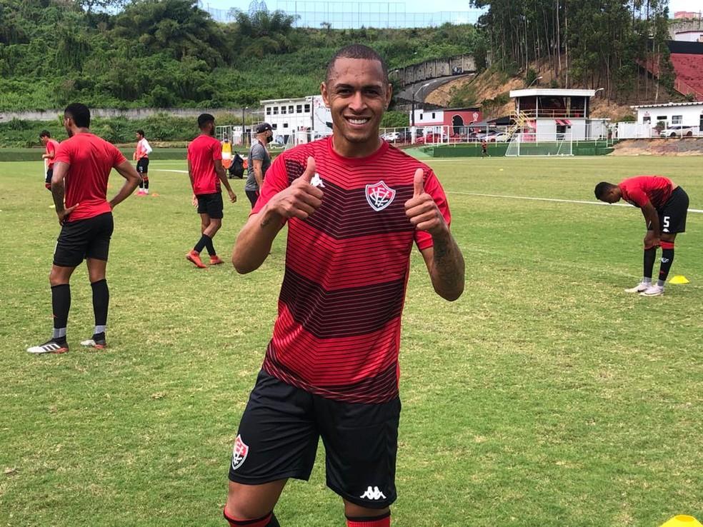Leandro Silva em treino do Vitória — Foto: EC Vitória / Divulgação