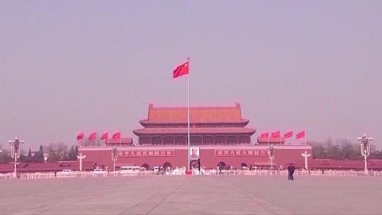 China contra-ataca os EUA e impõe  taxas sobre US$ 60 bi em produtos