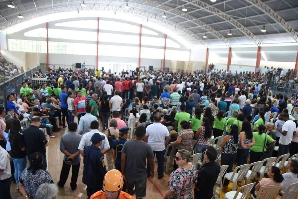 Centenas de pessoas acompanharam o velório de Humberto Coutinho em Caxias. (Foto: Divulgação/Assembleia Legislativa do Maranhão)