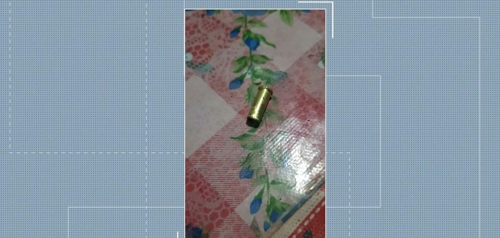 Próximo ao corpo havia duas cápsulas de bala de espingarda calibre 22.  — Foto: Reprodução/ TV Mirante