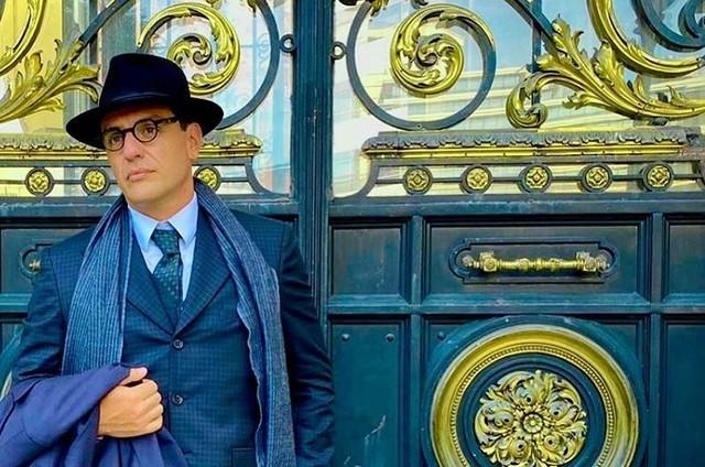 Rodrigo Lombardi em Buenos Aires como Guimarães Rosa (Foto: Reprodução/Instagram)