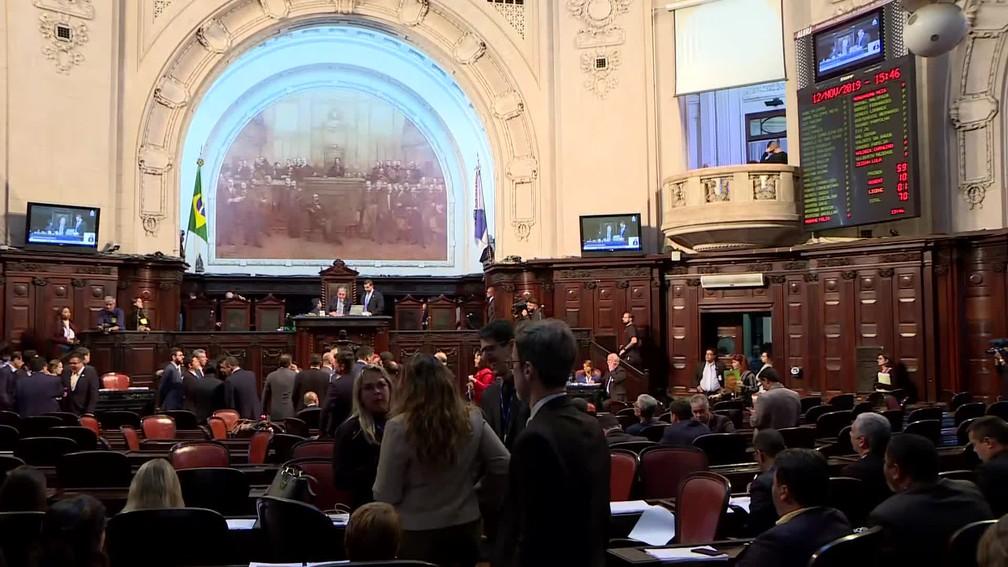 Alerj aprova prorrogação de fundo e estado de calamidade financeira — Foto: Reprodução TV Globo