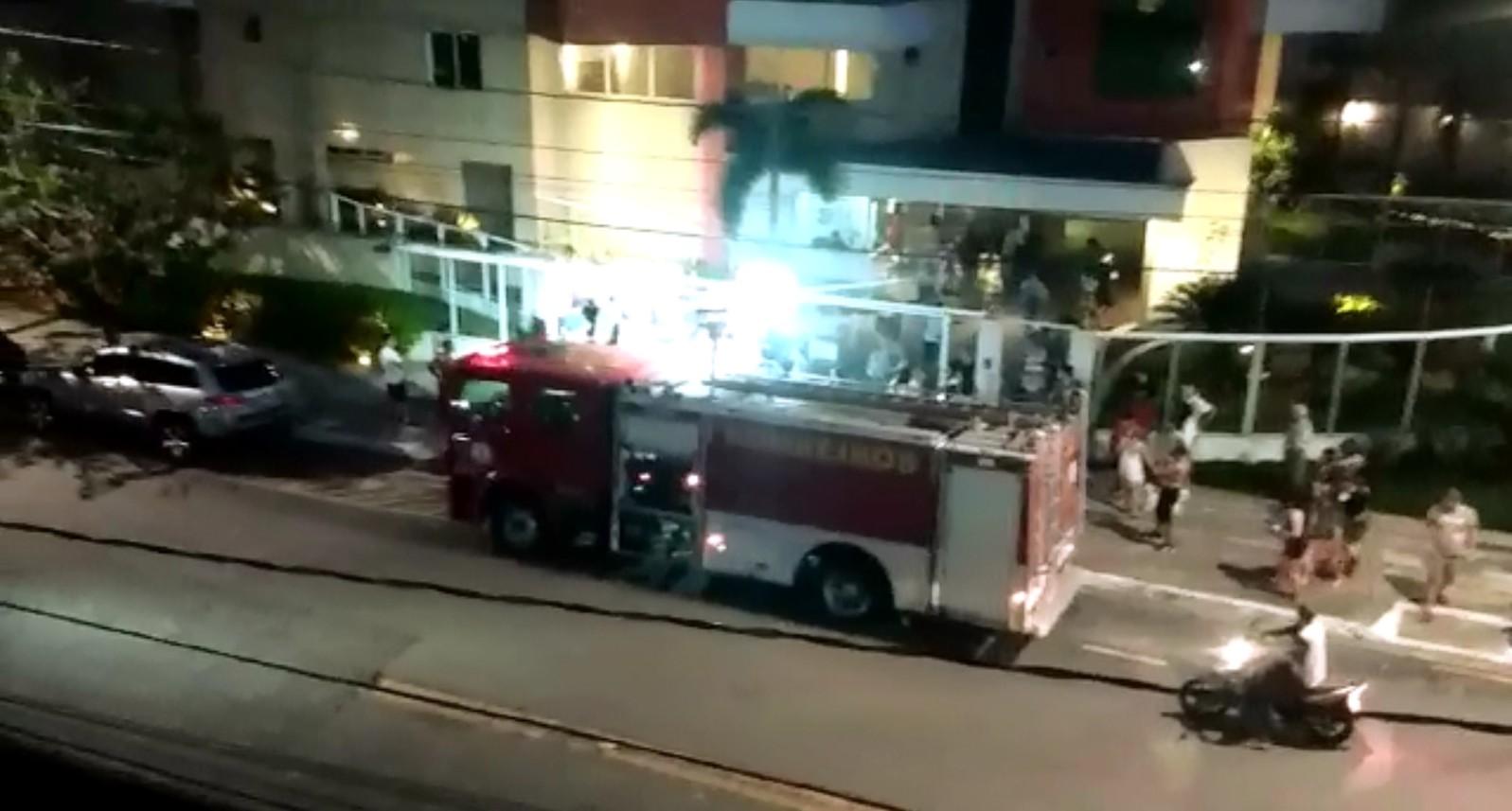 Carro tem perda total após pegar fogo em garagem de edifício em Belém - Notícias - Plantão Diário