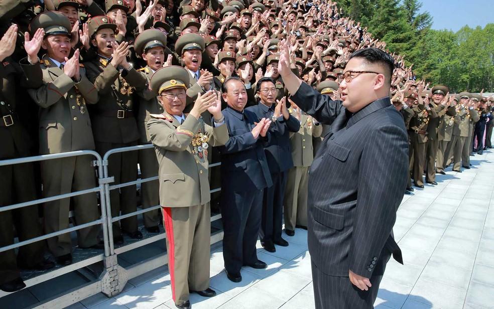 Imagem não datada divulgada pela agência de notícias oficial da Coreia do Norte (KCNA) em 20 de maio de 2017 mostra o líder norte-coreano Kim Jong-un (Foto: STR / KCNA via KNS / via AFP Photo)