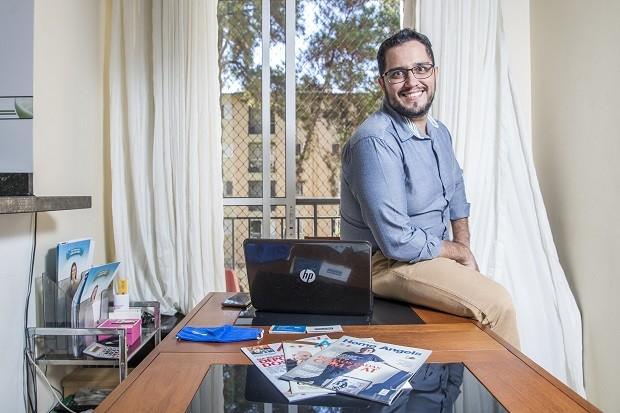 Leonardo José Lima é franqueado da Home Angels. Devido a pandemia, ele está fazendo a gestão do seu negócio de seu próprio apartamento (Foto: Ricardo Matsukawa / Ricardo Yoithi Matsukawa-ME / Sebrae-SP)