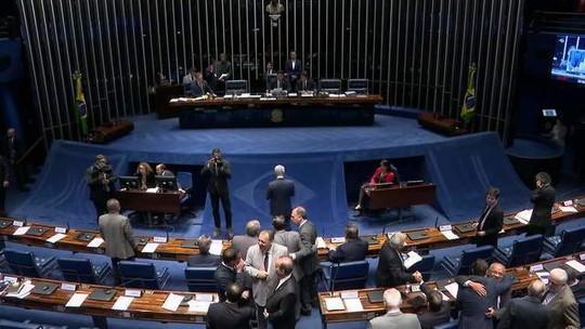 Senadores concluem votação da reforma da Previdência