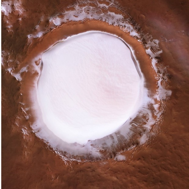 Cratera tem 82 km de diâmetro (Foto: ESA via BBC)