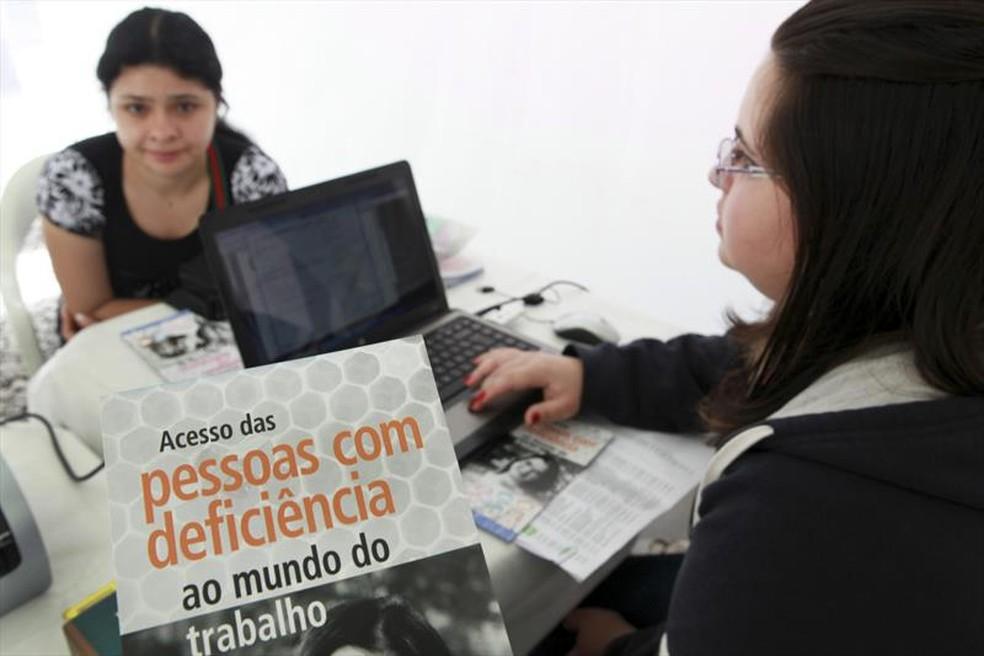 Semana da Empregabilidade para Pessoas com Deficiência começa nesta segunda (25) e segue até sexta-feira (29) (Foto: Cesar Brustolin/SMCS)
