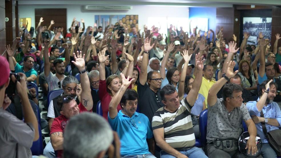 Policiais civis do RN decidiram em assembleia nesta terça (2) pela manutenção do trabalho em regime de plantão (Foto: Sinpol/Divulgação)