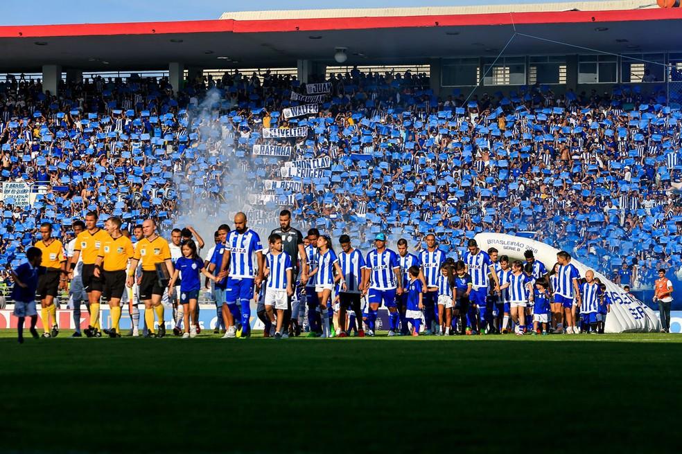 6921ccc42ff55 ... CSA x Avaí  Rei Pelé lotado — Foto  Ailton Cruz Gazeta de Alagoas
