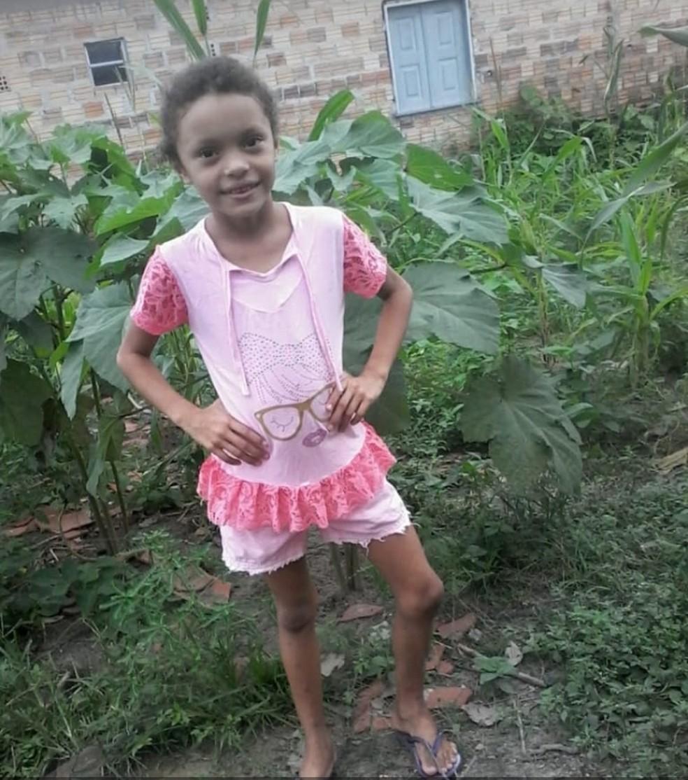 Weslaiane Gomes de Oliveira morreu após ser atingida com um tiro na cabeça em Santa Luzia do Paruá — Foto: Reprodução/TV Mirante