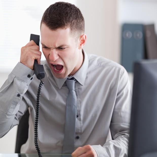 Psicopata; Irritado; Irritação; Stress; Briga; Nervoso; Nervosismo; Ansiedade; Ansioso; Grito; Telefone; (Foto: Thinkstock)