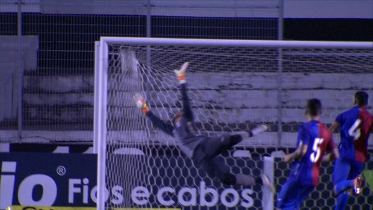 Athletico faz pré-registro de Abner, ex-Ponte Preta; lateral-esquerdo assina contrato até 2024