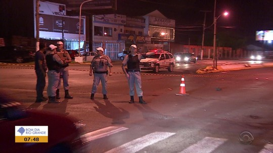 Homem morre atropelado em avenida de Gravataí