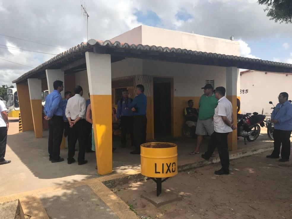 Motorista foi baleado dentro do terminal rodoviário de Nova Natal, na Zona Norte da capital potiguar (Foto: Kleber Teixeira/Inter TV Cabugi)
