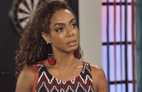 Na sexta-feira (7), Dandara (Dandara Mariana) flagrará Quinzinho (Caio Paduan) junto com Vanessa (Camila Queiroz) e não gostará nada da intimidade entre os dois TV Globo