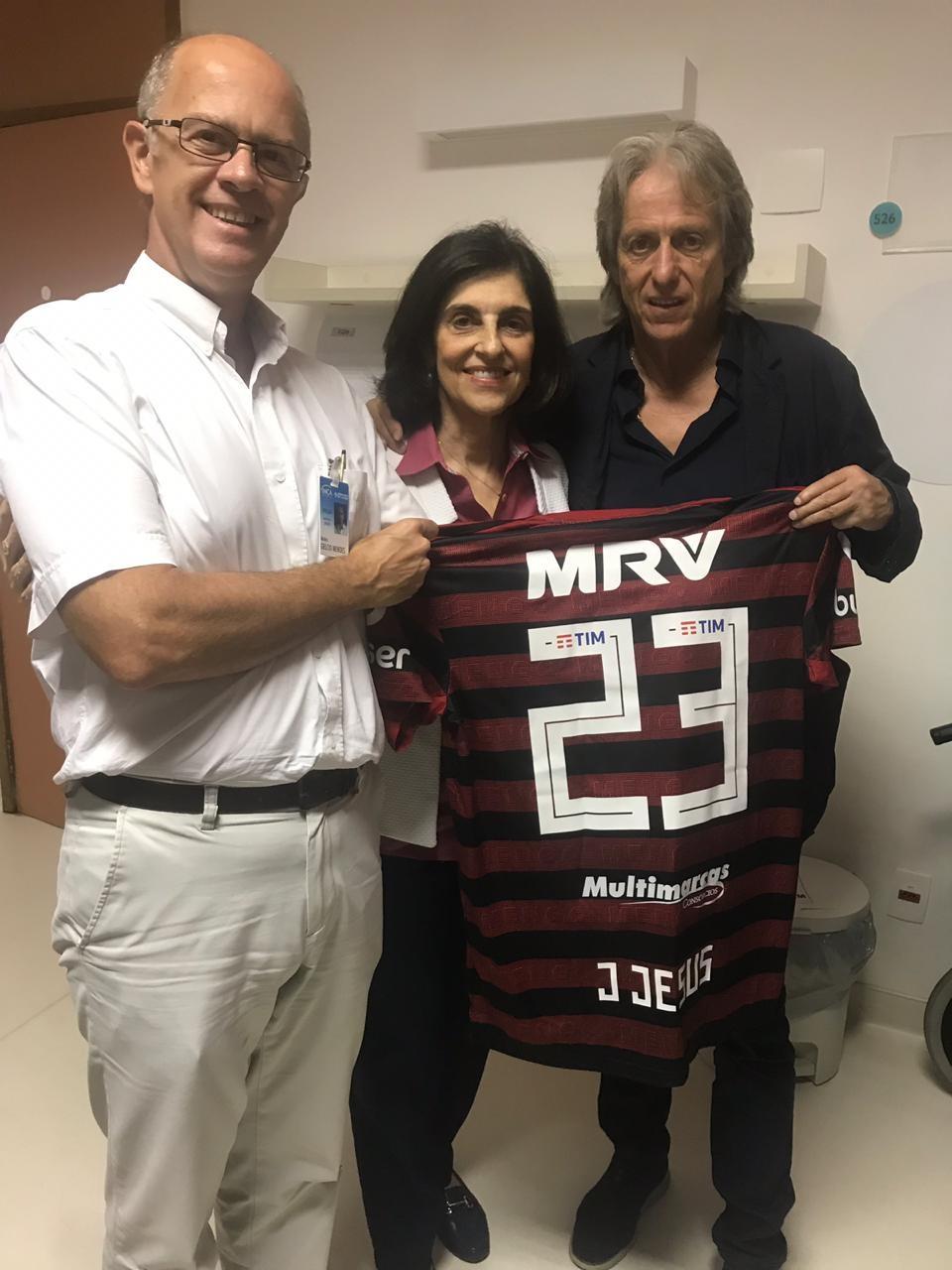 Vice-diretor do INCA, Gelcio Mendes; a chefe da Pediatria, Sima Ferman e Jorge Jesus