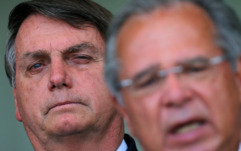 Divergências entre o presidente Jair Bolsonaro e o ministro Paulo Guedes elevam as preocupações sobre a trajetória fiscal do país. — Foto: Adriano Machado/Reuters