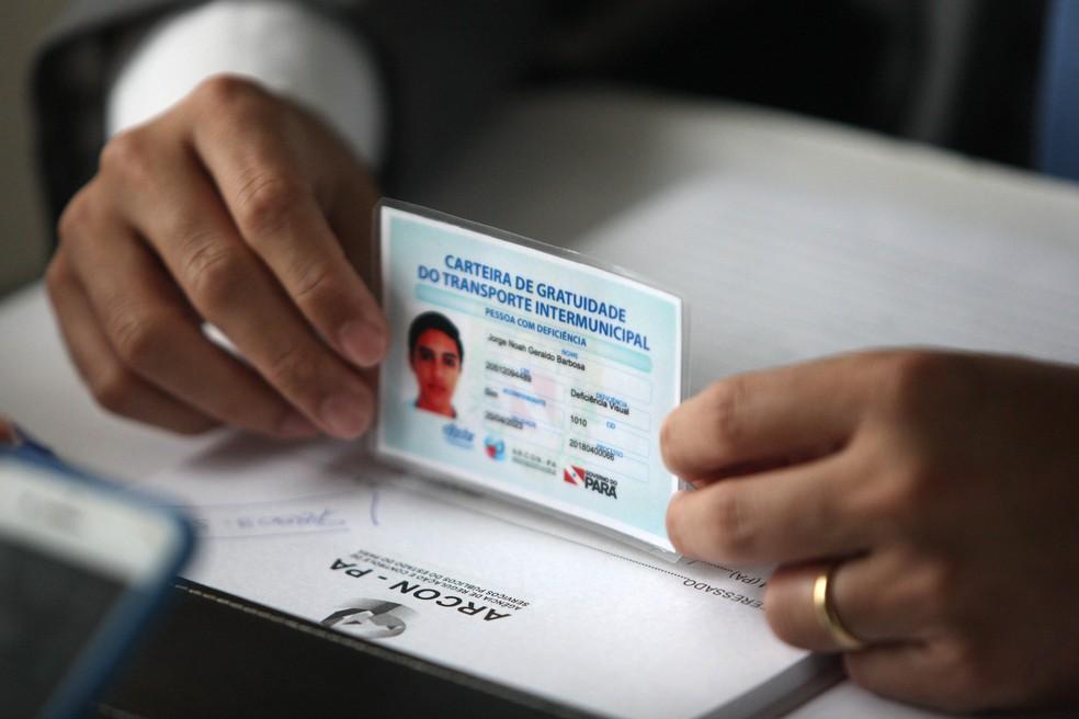 -  Recadastramento para a emissão da carteira de gratuidade intermunicipal, em Soure.  Foto: Thiago Gomes / Agência Pará