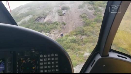 Homem é resgatado de helicóptero do Morro do Anhangava, na Região de Curitiba