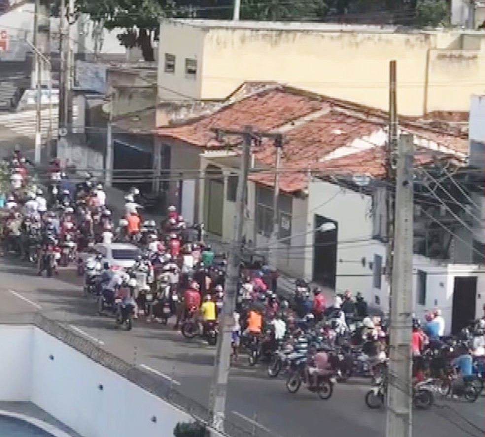 Segundo a PM, foram registradas várias infrações e crimes de trânsito, além de riscos à população e desordem (Foto: PM/Divulgação)