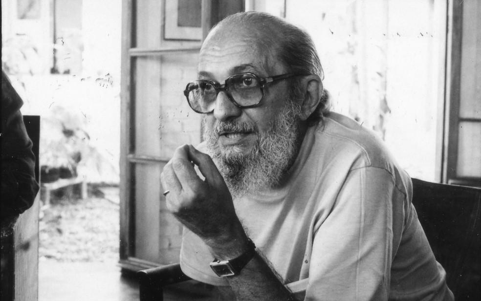 Paulo Freire concede entrevista ao Jornal da Tarde, ao voltar do exílio (1979), em sua casa na cidade de São Paulo. — Foto: João Pires/Estadão Conteúdo/Arquivo