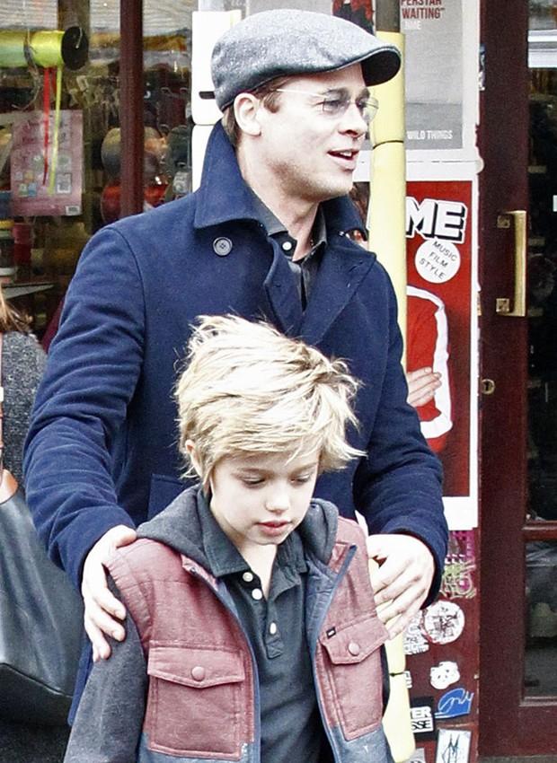 Brad Pitt e Shiloh (Foto: Grosby Group)