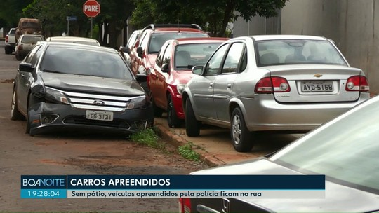 Ação do MP pede para que Governo do Estado retire carros apreendidos do entorno da delegacia de Palotina