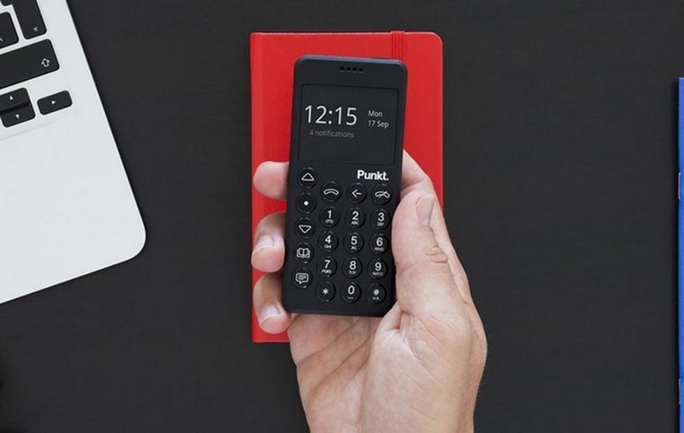 Com design minimalista, MP02 tem dimensões e aparência de calculadora de bolso  — Foto: Divulgação/Punkt