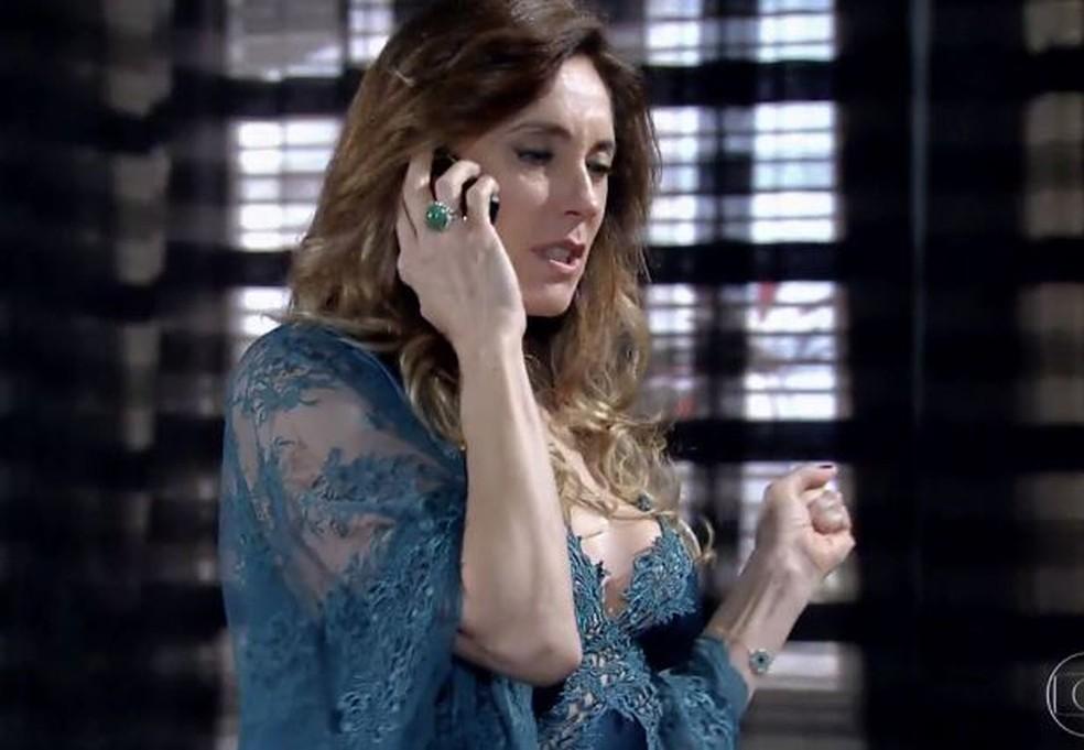 Tereza Cristina encomenda morte de Griselda em 'Fina Estampa' — Foto: Globo