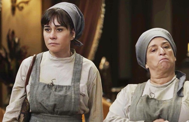 Susana (Alessandra Negrini) e Petúlia (Grace Gianoukas) ficarão na miséria e tentarão dar um golpe num milionário (Foto: TV Globo)
