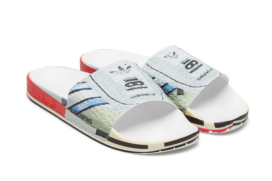 O adilette, chinelo slider, foi o escolhido pelo designer belga para carregar parte da silhueta de tênis clássicos da adidas (Foto: divulgação)