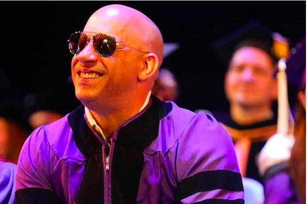 A festa de formatura na qual o ator Vin Diesel recebeu o PhD de sua ex-universidade (Foto: Instagram)