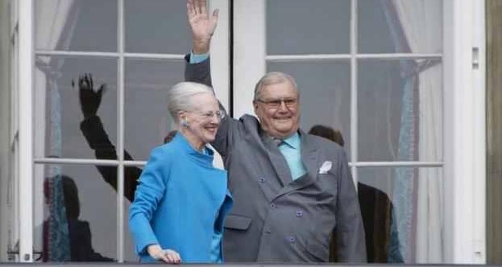 Rainha Margrethe II e prncipe Henrik da Dinamarca Foto ReproduoTwitterDanielRosney